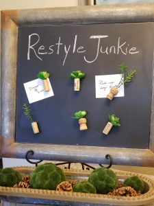 Refrigerator magnets made from wine corks and succulents